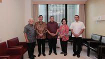 Luhut dan Istri Jenguk Ani Yudhoyono di Singapura