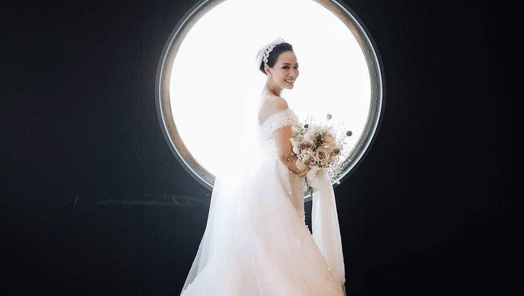 Potret Indahnya Pernikahan di Kapal Pesiar Seperti Yuanita Christiani