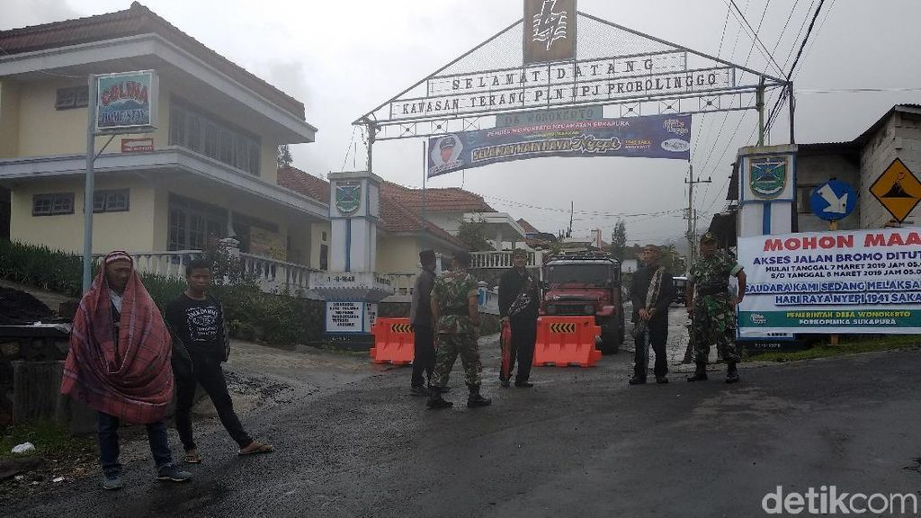 Damainya Hari Raya Nyepi di Bromo, Muslim Menjaga Hindu