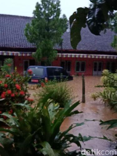 Bawaslu Ponorogo Tergenang Banjir, Data Penting di CPU Rusak