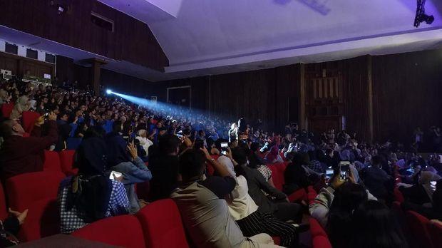 Kejutan di Konser Yura Yunita, 'Balada Sirkus' hingga Aksi Kolabirasi Manis