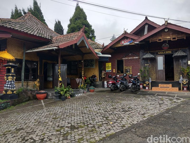 Hari Raya Nyepi juga dirayakan umat Hindu Suku Tengger di Gunung Bromo. Wisatawan diminta tidak keluar hotel (M Rofiq/detikTravel)