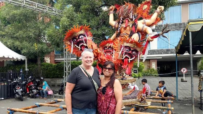 Ireda & Jasmin, turis asal Perth yang nyepi ke Bali (Aditya/detikTravel)