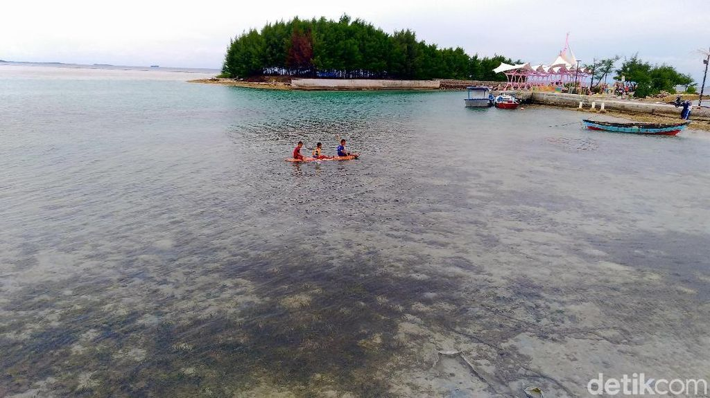Kepulauan Seribu: Bali Baru yang Bertarung Melawan Sampah Kiriman