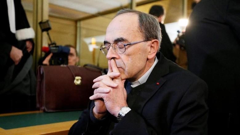 Paus Fransiskus Tolak Pengunduran Diri Kardinal yang Tutupi Skandal Seks