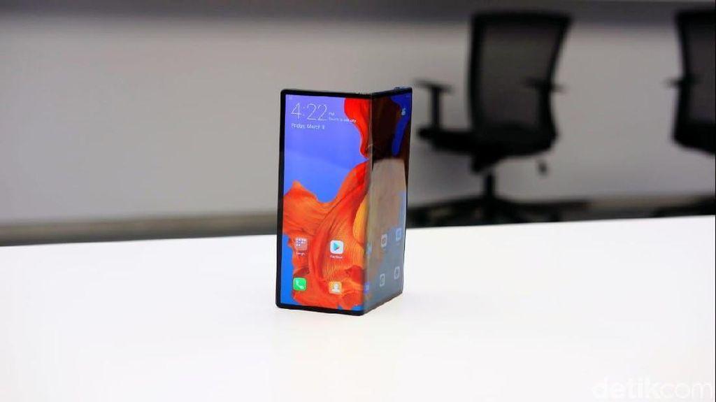 Huawei Mate X Diganjar Sertifikat 5G CE Pertama di Dunia