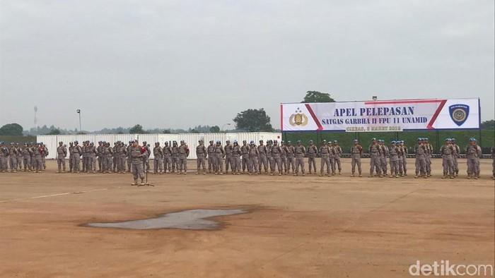 Foto: Apel pelepasan kontingen Satgas Garuda Bhayangkara 11 FPU UNAMID ke Golo, Sudan. (Rolando-detikcom)