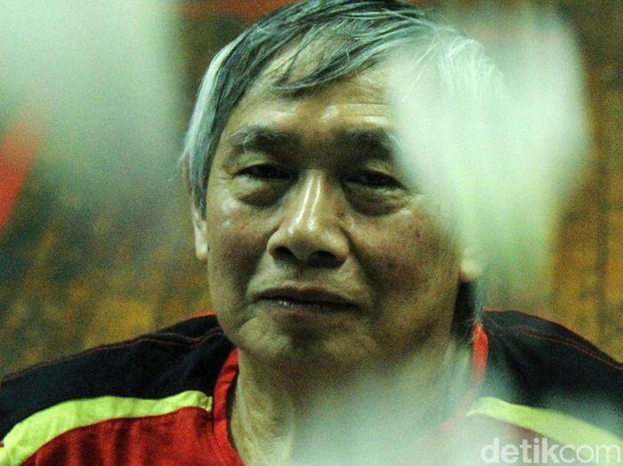 Christian Hadinata adalah salah satu legenda bulutangkis Indonesia. Christian bersama Imelda Wiguna pernah mengukir tinta emas sebagai juara ganda campuran pertama All England dari Asia.