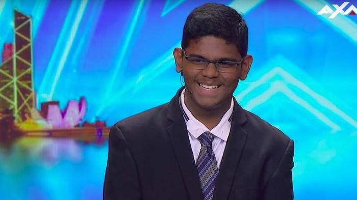 Laki-laki berusia 15 tahun yang dijuluki Manusia Kalkulator. Foto: Youtube Asias Got Talent
