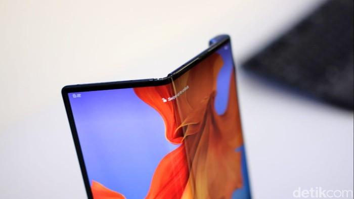 Huawei Mate X. Foto: Adi Fida Rahman/detikinet