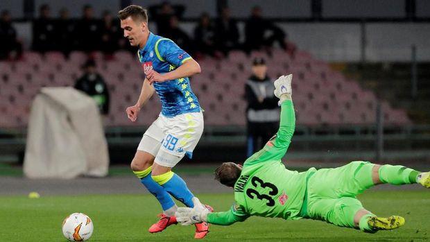 Napoli menang atas Salzburg.