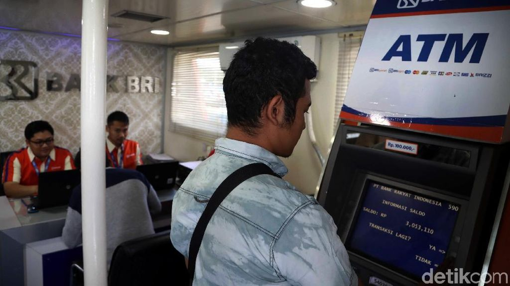 Mengintip Aktivitas Warga Pulau Pramuka di Bank Terapung BRI