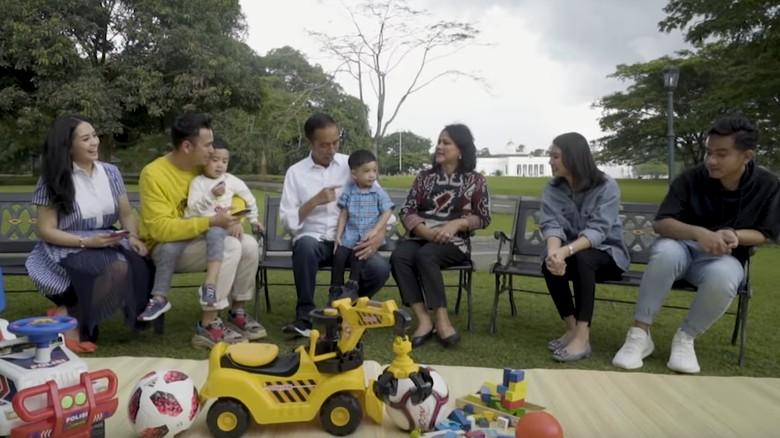 Ekspresi Menggemaskan Jan Ethes Bertemu Rafathar Pertama Kali/ Foto: (YouTube Rans)