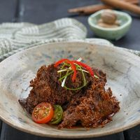 Rumah Makan Minang Unik dengan Gaya Peranakan hingga Vegetarian!