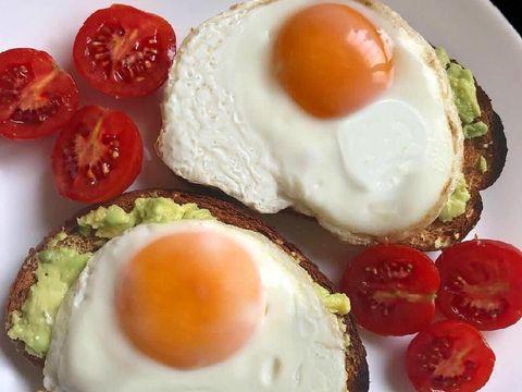 telur goreng untuk sarapan