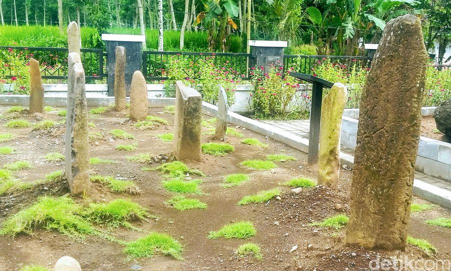 Mengunjungi bermacam objek wisata di Bondowoso rasanya kurang afdol jika tak mampir ke Situs Pekauman. Ada destinasi wisata edukasi, yakni kawasan megalitikum peninggalan zaman prasejarah. (Chuk Shatu W/detikcom)