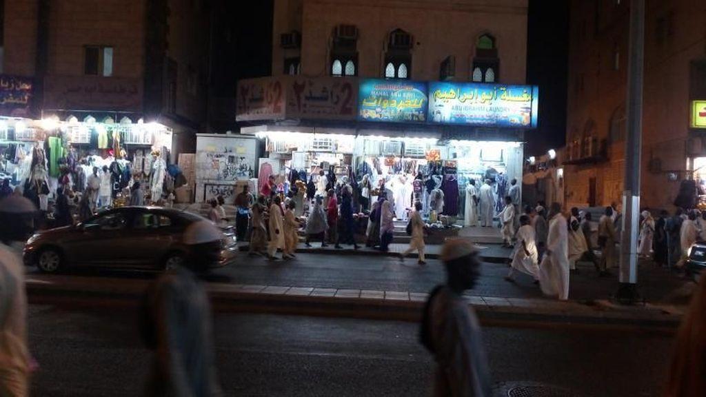 Potret Malam di Makkah dan Jeddah, Bikin Kangen Umrah