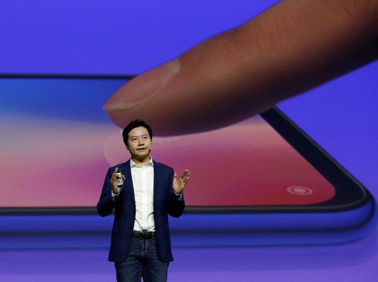 Xiaomi founder and CEO Lei Jun attends a launch ceremony of the new flagship phone Xiaomi Mi 9 in Beijing, China February 20, 2019. REUTERS/Jason Lee     TPX IMAGES OF THE DAY
