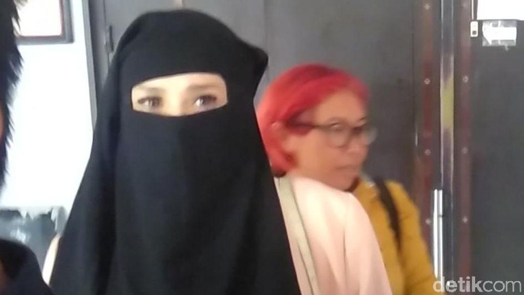 Ditanya Konser Solidaritas Ahmad Dhani, Mulan: Awali dengan Bismillah