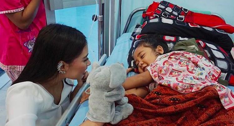 Frederika Alexis Cull, perwakilan dari DKI Jakarta dinobatkan sebagai Putri Indonesia 2019. Siapa sangka, Frederika adalah sosok wanita yang dekat dengan anak-anak. (Foto: Instagram/ @fredericacull)