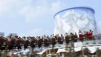 Ada juga wahana roller coaster, perahu kora-kora hingga aneka permainan anak lainnya. Setiap tahun, tak kurang 300 ribu wisatawan datang ke taman rekreasi ini. Wunderland Kalkar buka setiap hari dari mulai pukul 10.00-18.00. (Istimewa/Mercury Press & Media Ltd)