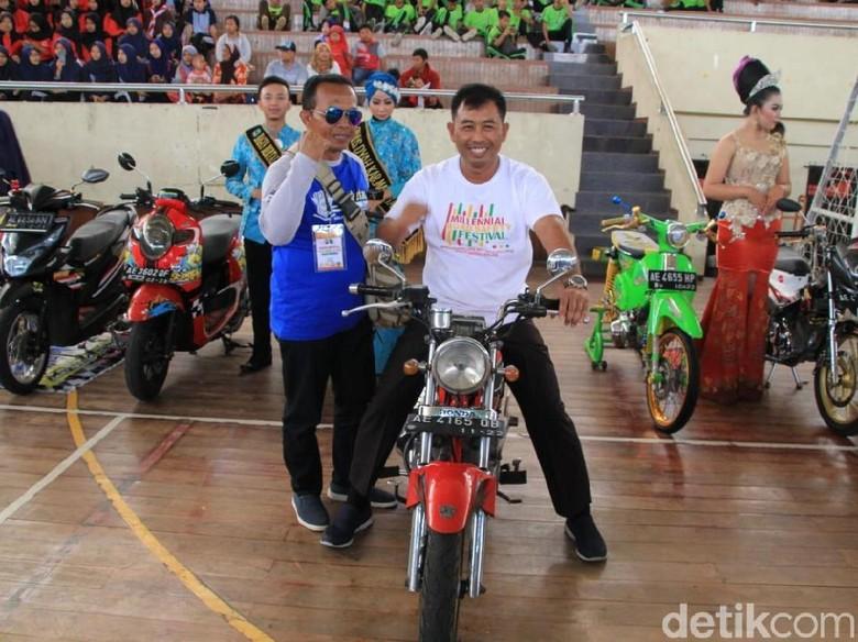 Motor Modifikasi Warnai Millennial Road Safety Festival di Magetan