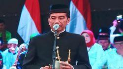 Salaman dan Bertemu Miss Universe, Jokowi Kok Salah Tingkah?