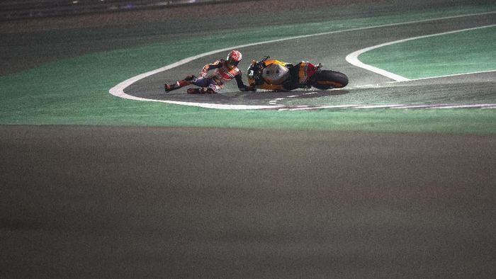 Marc Marquez terjatuh di FP3 dan FP4 MotoGP Qatar. (Foto: Mirco Lazzari gp/Getty Images)
