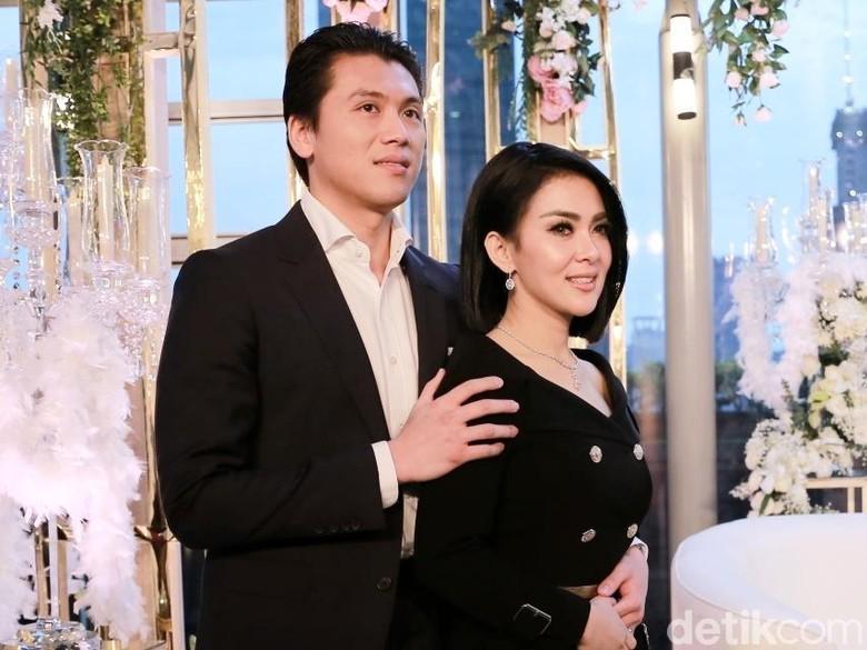 Honeymoon di Swiss, Syahrini dan Reino Barack Didoakan Pulang Bawa Momongan