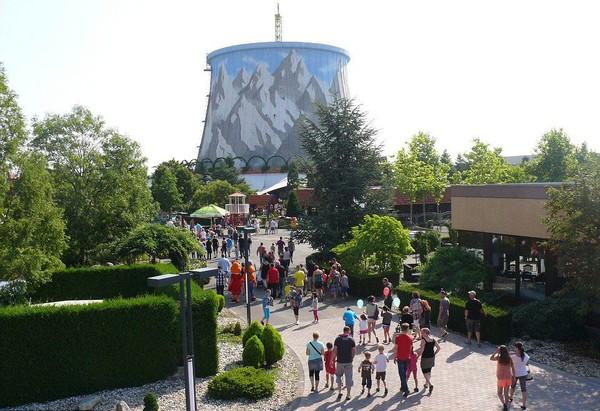 Di tahun 1971, pemerintah Belgia, Jerman dan Belanda sepakat untuk bekerja sama membangun sebuah reaktor nuklir. Namun pada tahun 1991, mereka memutuskan untuk tidak mengoperasikan reaktor nuklir yang sudah jadi itu. (Istimewa/Mercury Press & Media Ltd)