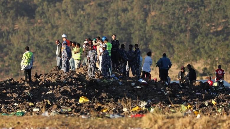 Saksi Mata: Pesawat Ethiopian Airlines Sudah Terbakar Sebelum Jatuh