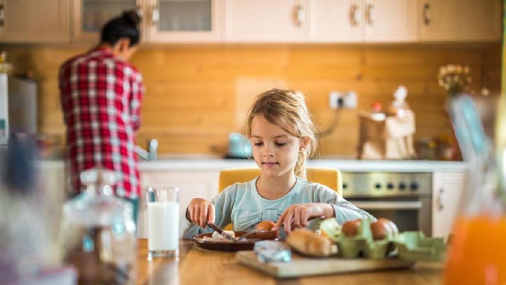 5 Ide Sarapan Mudah Dibuat, Si Kecil Bisa Siapkan Sendiri Lho