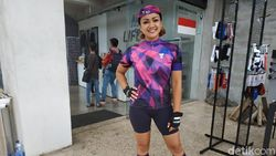 Cerita Nirina Zubir dan Suami Sukses Gowes Jakarta-Bali
