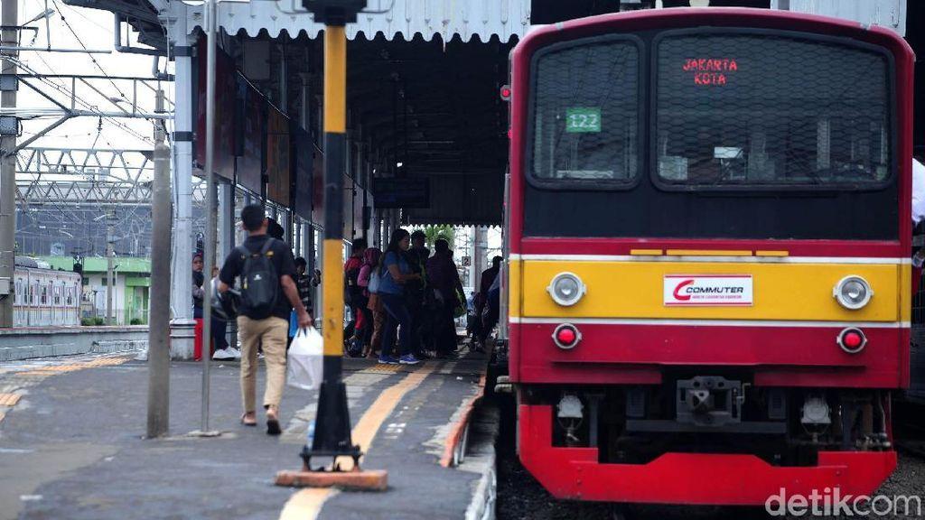 PT KCI Tambah 14 Perjalanan KRL Jakarta Kota-Tanjung Priok