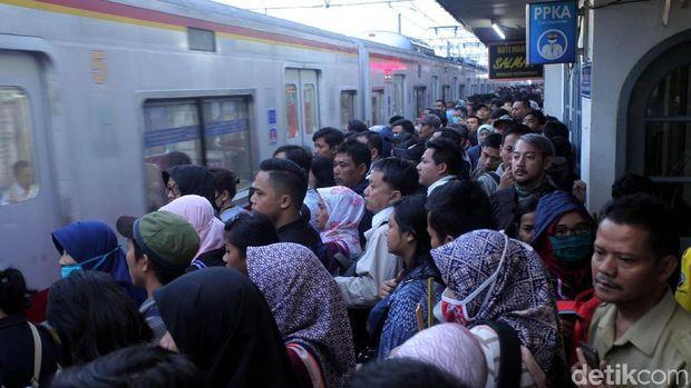 Wow, Jumlah Penumpang Kereta di RI Terbanyak se-ASEAN