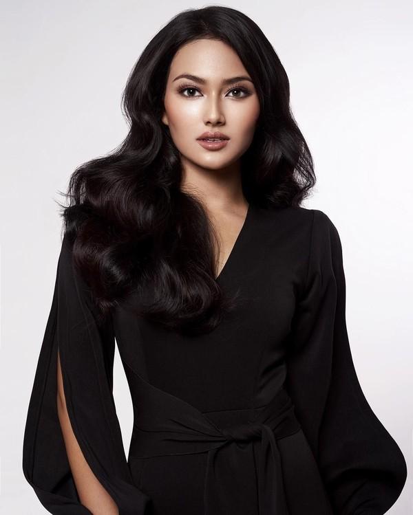Lahir di Bogor, dara berumur 23 tahun ini berhasil mencuri perhatian dalam ajang Puteri Indonesia 2019. Dara yang adalah Puteri Indonesia Pariwisata ini juga punya kegemaran traveling (Instagram/jesicafitriana)