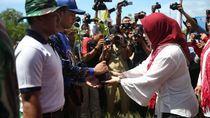 Dua Istri Menteri Kompak Tanam 5 Ribu Bibit Mangrove di NTB