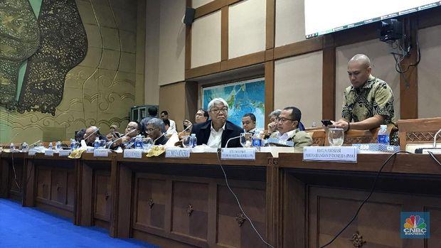 Polemik Anggota DPR vs Pengusaha Tambang yang Bikin Keki