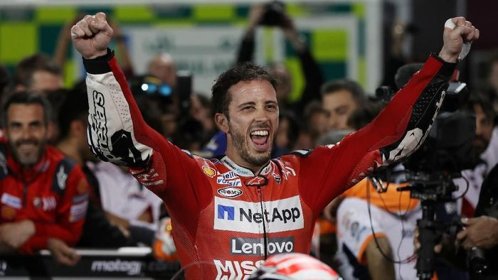 MotoGP - Qatar Grand Prix - Losail International Circuit, Lusail, Qatar - March 10, 2019   Mission Winnow Ducatis Andrea Dovizioso celebrates winning the race   REUTERS/Ibraheem Al Omari