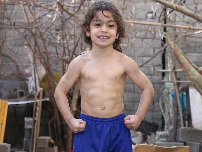 Si bocah Spiderman Arat Hosseini. Foto: Instagram @arat.gym (ditampilkan dengan izin yang bersangkutan)