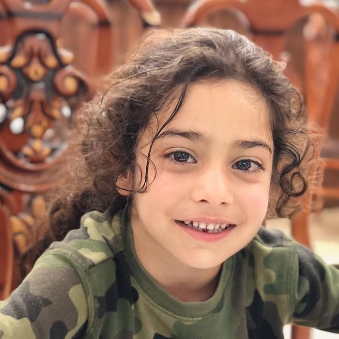 Baru berusia lima tahun, Arat Hosseini sudah punya badan yang sixpack. (Foto: Instagram/@aratgym)