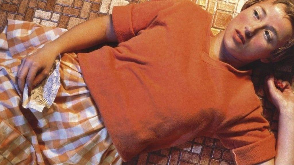 Dijepret fotografer Cindy Sherman, foto ini bertajuk Untitled 96 dan dibuat tahun 1981. Ia laku di Christie pada Mei 2011 sahrga USD 3,8 juta. Foto: istimewa