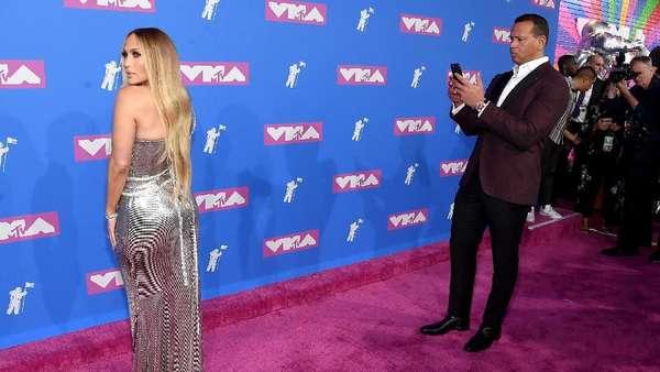 Kisah Cinta Jennifer Lopez dan Alex Rodriguez