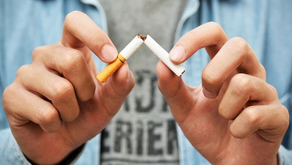 Dear Perokok, Ini Bahaya Langsung Merokok Saat Berbuka Puasa