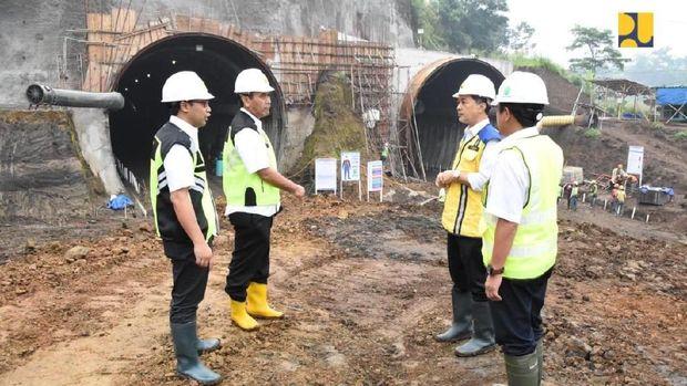 DeJokowi Kebut Terowongan Nanjung Demi Citarum Harum