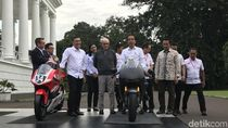 Canda Jokowi Soal Ikutan Balap MotoGP di Sirkuit Mandalika