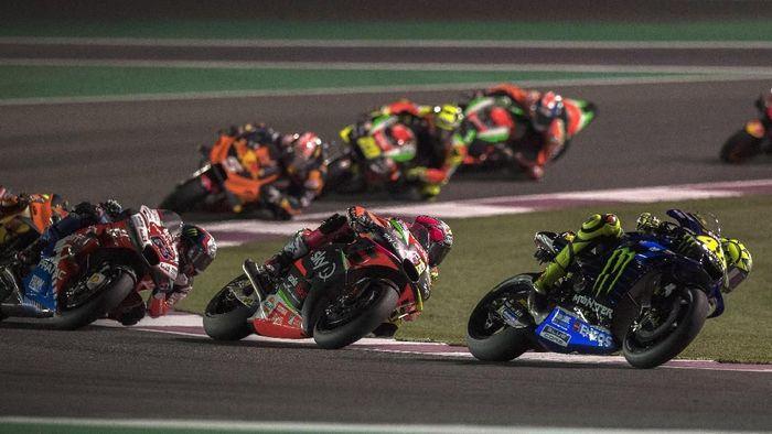 Valentino Rossi paling banyak naik posisi di MotoGP Qatar. (Foto: Mirco Lazzari gp/Getty Images)