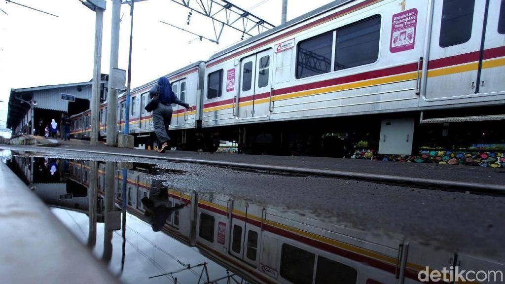 Jalur di Kebon Pedes Masih Diperbaiki hingga Kecepatan KRL 70 Km/Jam
