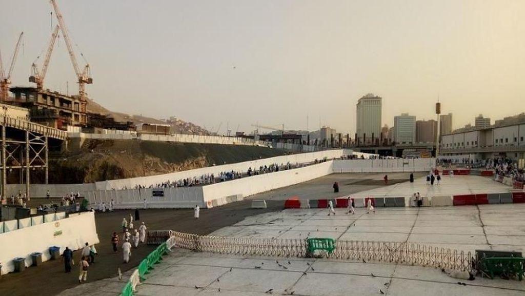 Foto Masjidil Haram yang Terus Diperluas