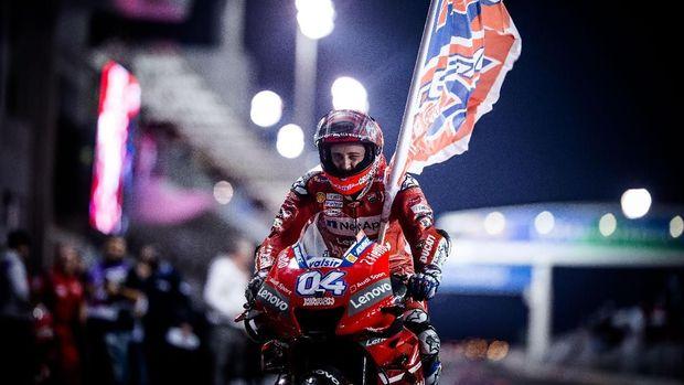 Andrea Dovizioso unggul tipis atas Marc Marquez pada balapan MotoGP Qatar 2019.